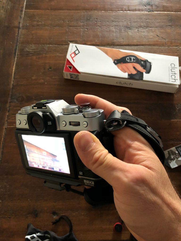 fujifilm x-t20 et peak design clutch cl2
