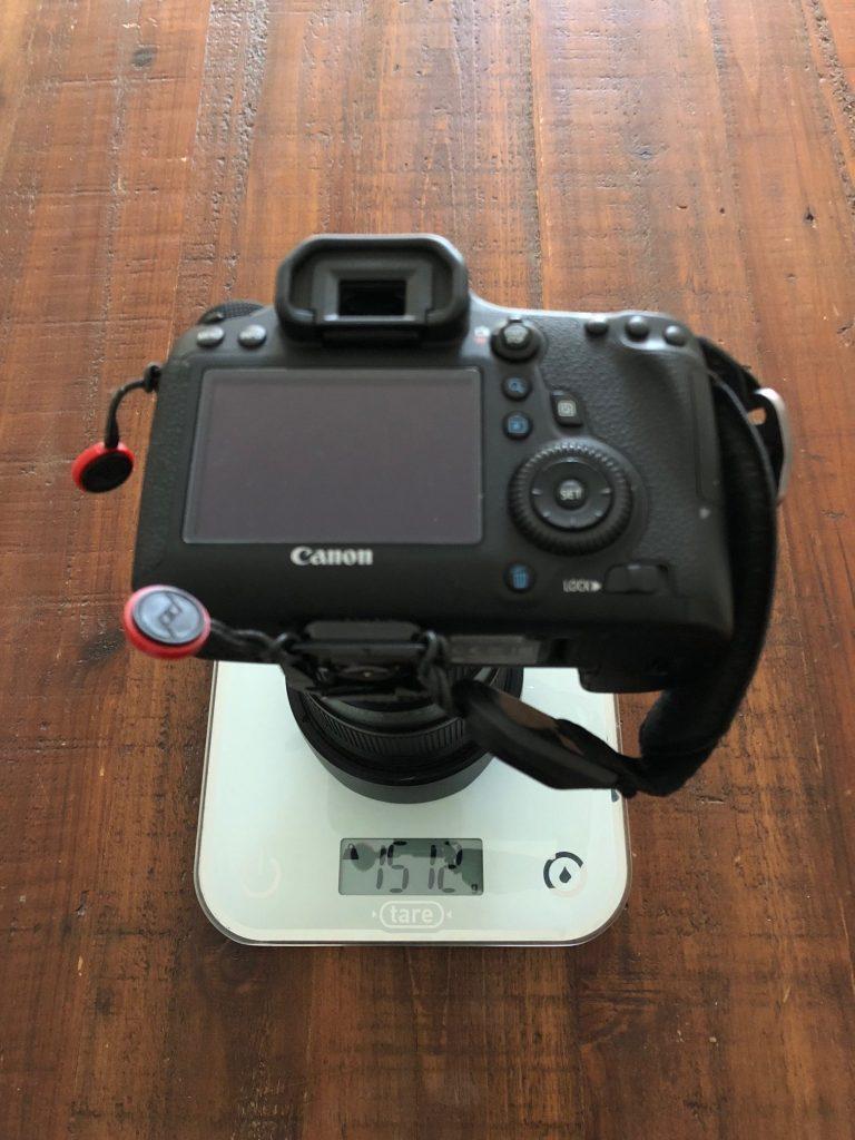 Test poids appareil photo reflex vs hybride
