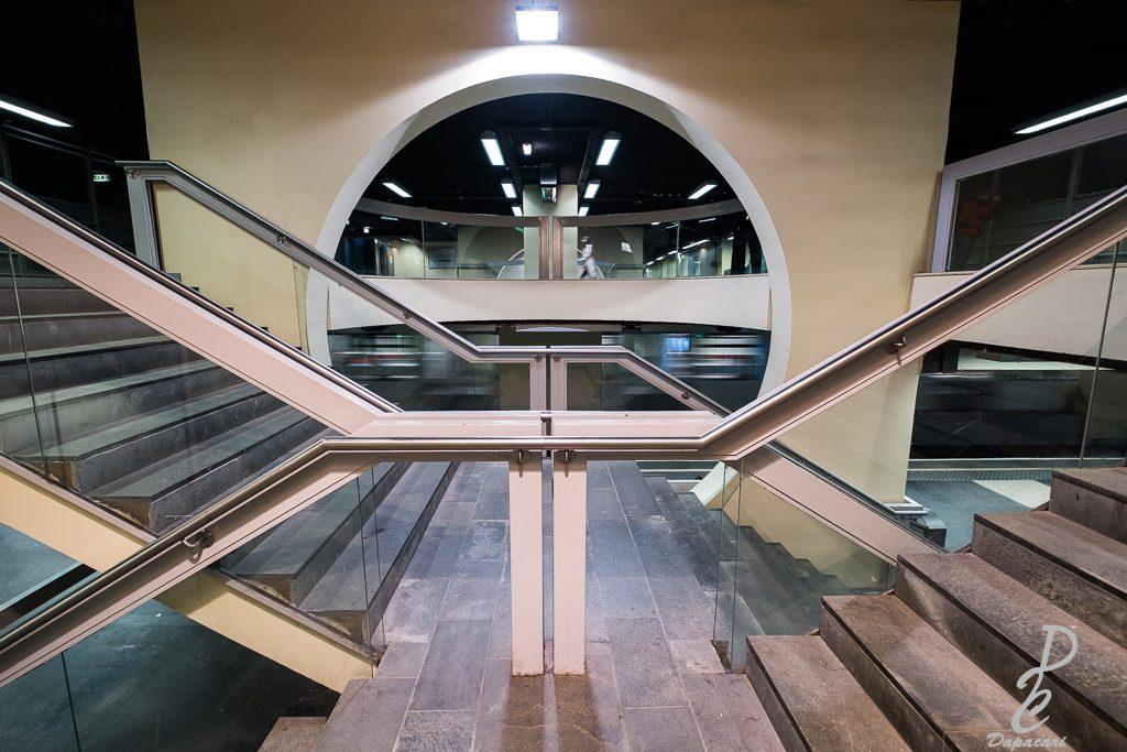 architecture métro Brotteaux Lyon Fujifilm X-T3 10 24mm F4