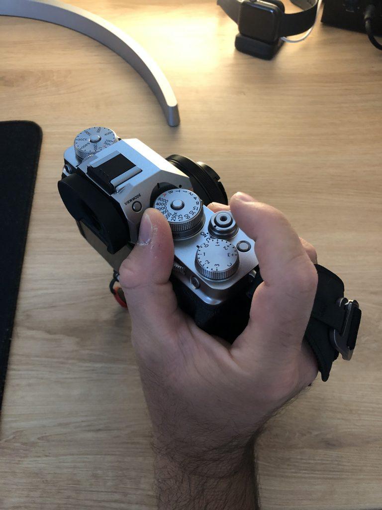 Peak Design clutch solution Fujifilm
