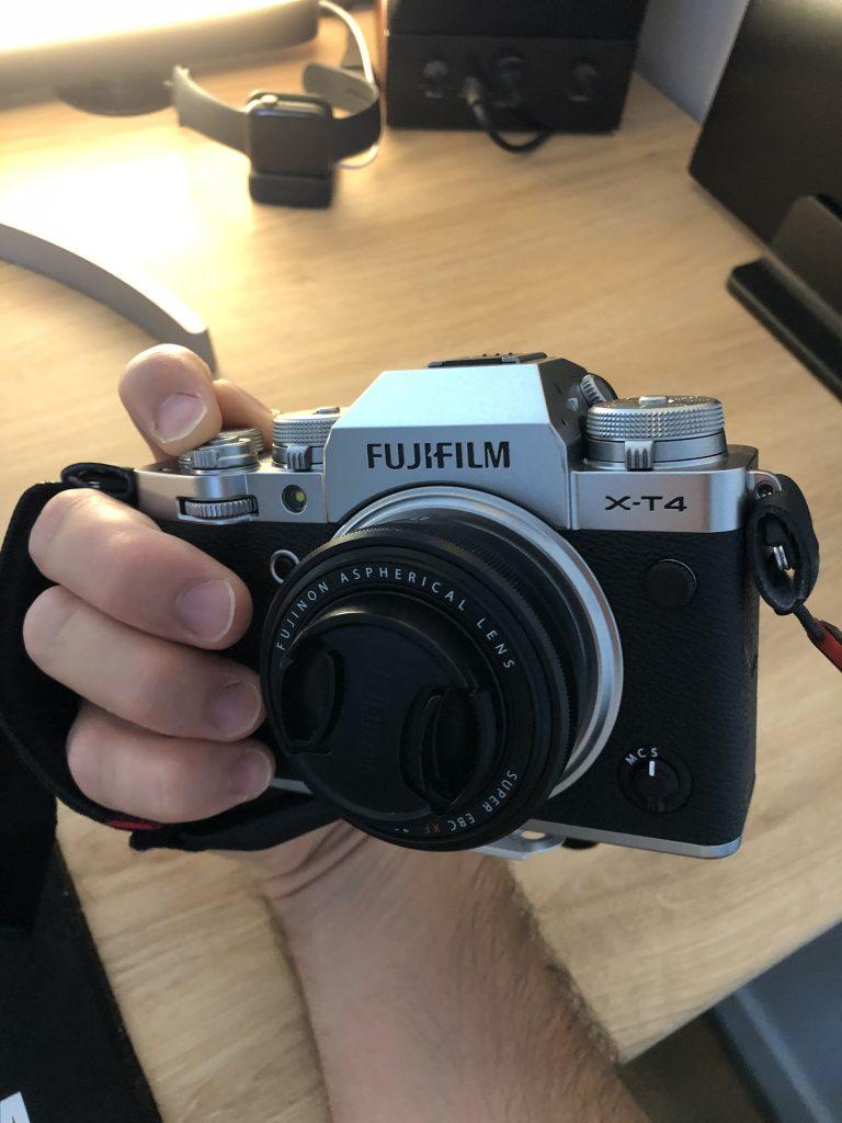 courroie de main et Fujifilm
